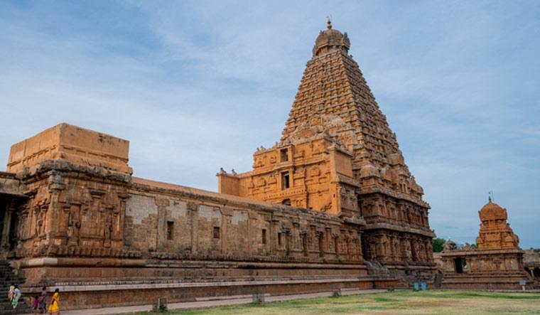 Thanjavur-Big-temple-Brihadeeswara-temple-Tamil-Nadu-shut