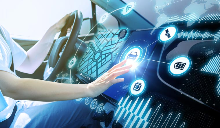 futuristic-vehicle-graphical-user-interface-GUI-intelligent-car-connected-car-Internet-of-Things-IoT-Heads-up-display-HUD-shut
