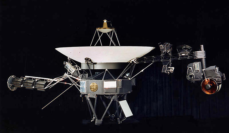 FILES-US-SPACE-VOYAGER