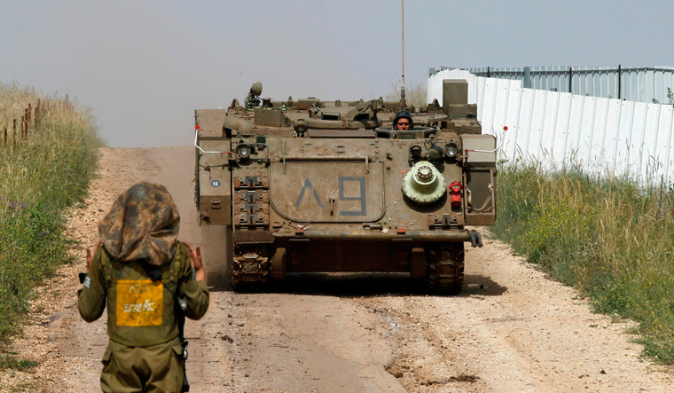 Calls for restraint after Israeli raids on 'Iranians' in Syria
