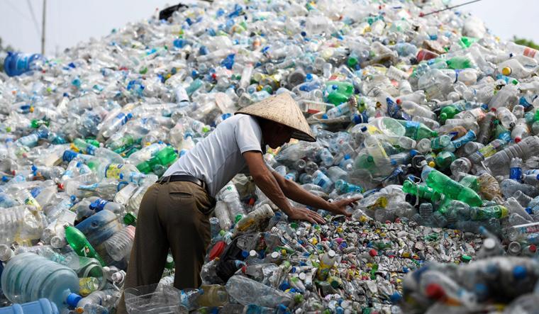 VIETNAM-ASIA-ENVIRONMENT-WASTE-PLASTIC