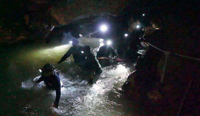 thai-cave-inside-ap