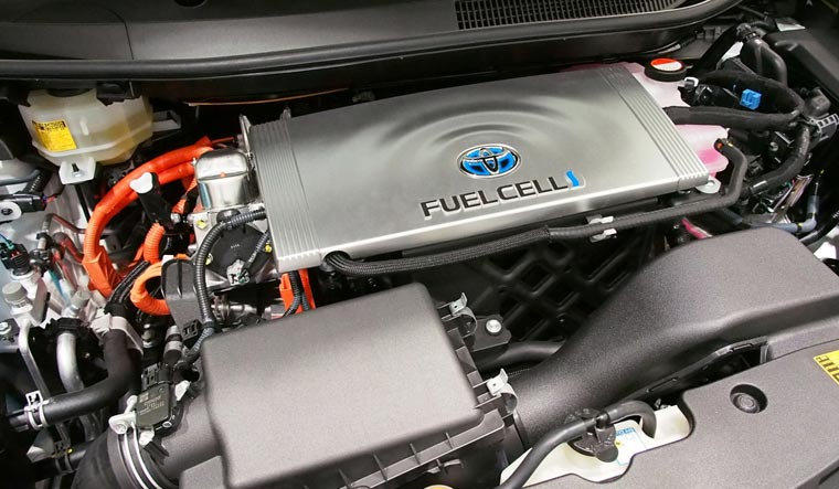 Fuel-Cell-of-Toyota-Mirai-shut