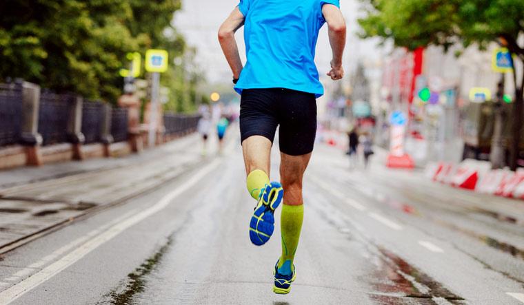 marathon-running-jogging-exercise-shut