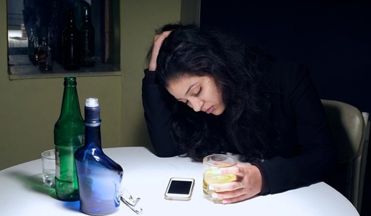 teenage-girl-alcohol-alcoholic-drunk-shut