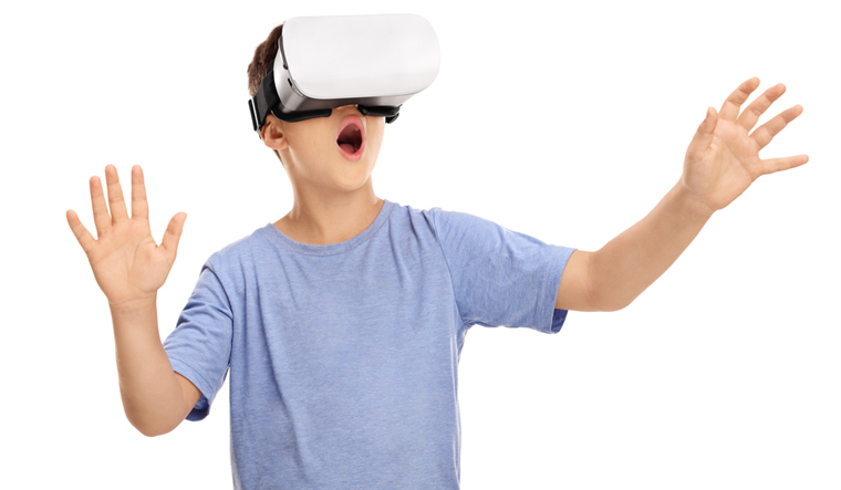 Immersive virtual reality may help treat fears in autistic ...