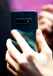 Samsung Galaxy S10e | Reuters