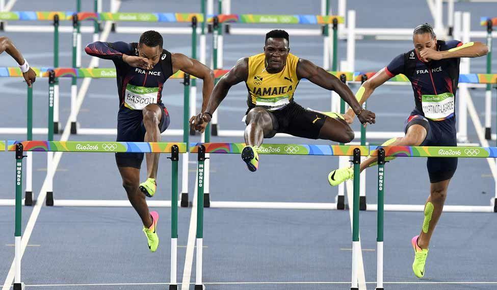 mcleod-hurdles-gold