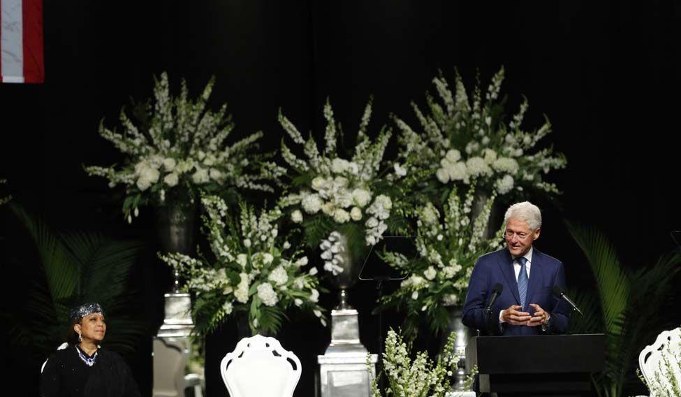 Clinton-Ali-Funeral