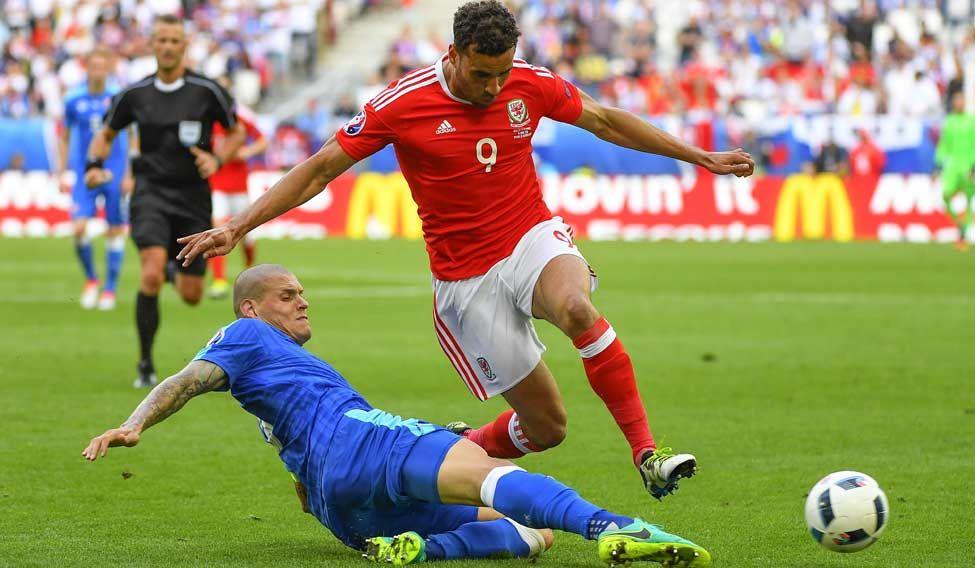 FBL-EURO-2016-MATCH3-WAL-SVK