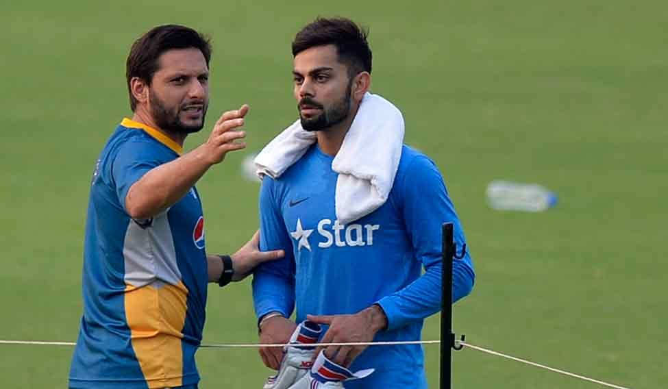 Afridi-and-Virat-during-the-practice-at-Eden4