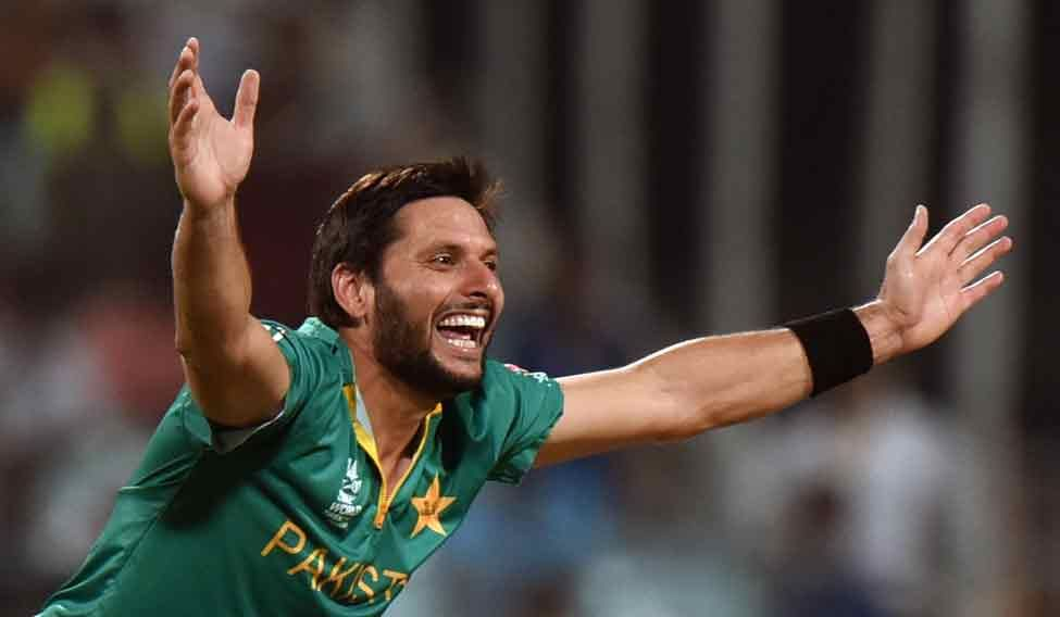 Afridi-in-action-against-bangladesh3