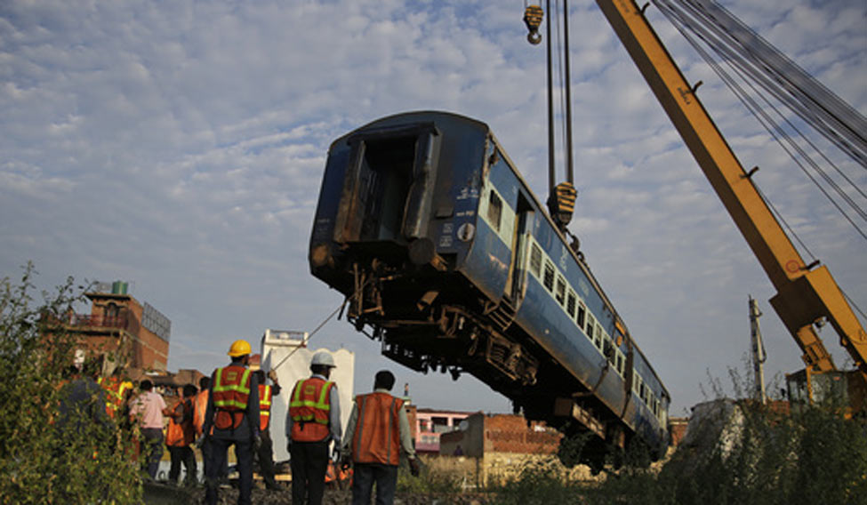 UP train derailment toll climbs to 24, rescue ops end