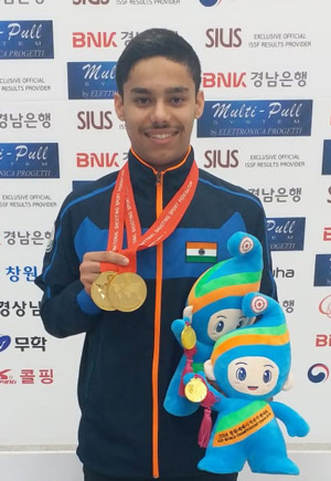 Udhayveer Sidhu with his two gold medals (individual and team gold in 25m pistol junior men) | SportsComm