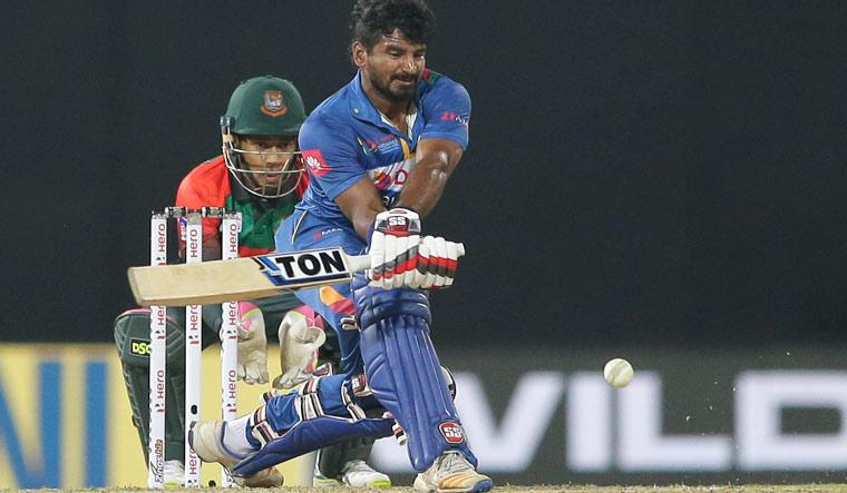 Unchanged Bangladesh opt to bowl