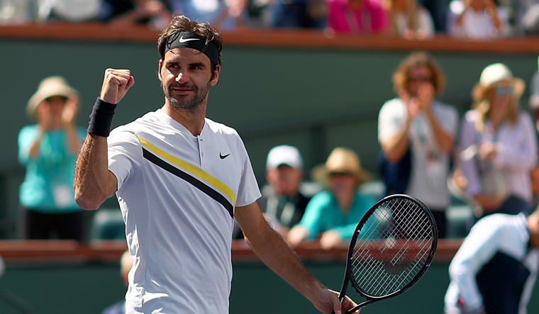 Federer survives scare to face Del Potro in Indian Wells final
