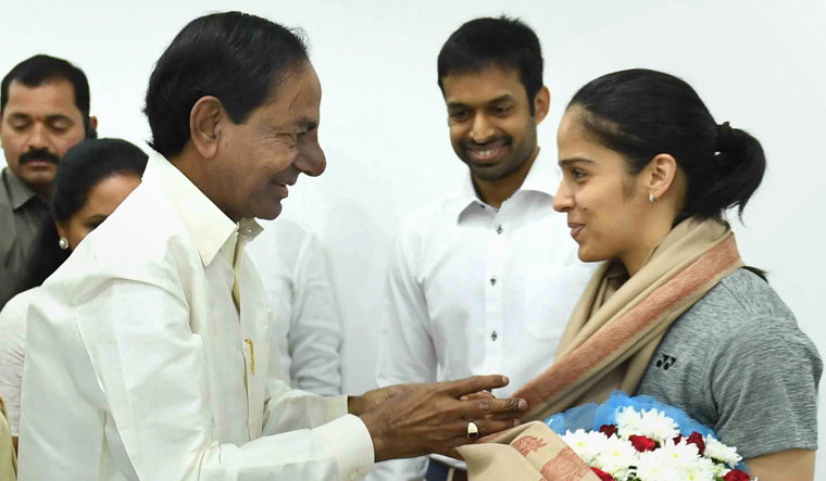 Saina Nehwal, Sindhu felicitated by Telangana government