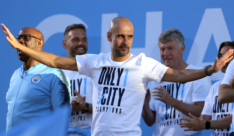 Guardiola Extends Manchester City Stay To 2021
