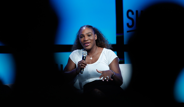 Serena Williams talks fashion, not fouls, at Las Vegas event