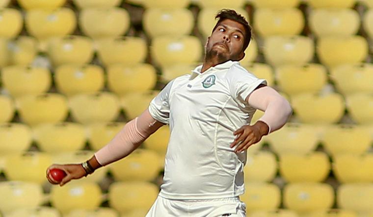 Injured Umesh Yadav leaves for India vs Australia Test series
