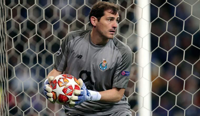 Iker Casillas officially announces retirement