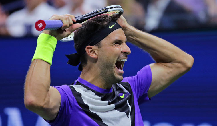 Dimitrov upsets Federer to reach U.S. Open semis