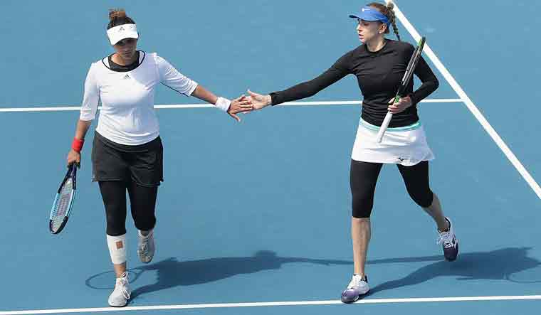 Sania Mirza comes back in style, wins Hobart trophy