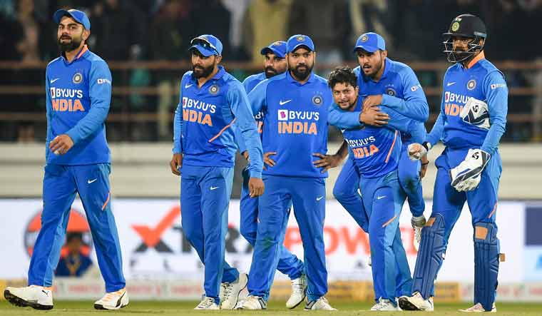 Third ODI: Australia win toss, opt to bat against India in decider
