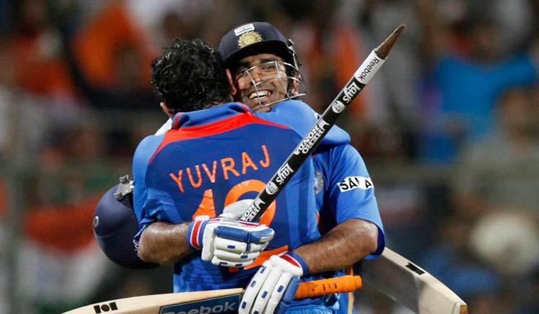 Yuvraj-Singh-MS-Dhoni-AP