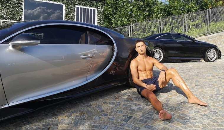 cristiano-ronaldo-bugatti-la-voiture-noire-insta