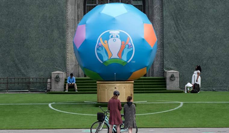 Euro 2020: Czech Republic beat Scotland after a Patrik Schick screamer