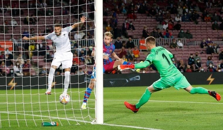 Struggling Barcelona salvage a point against Granada in La Liga