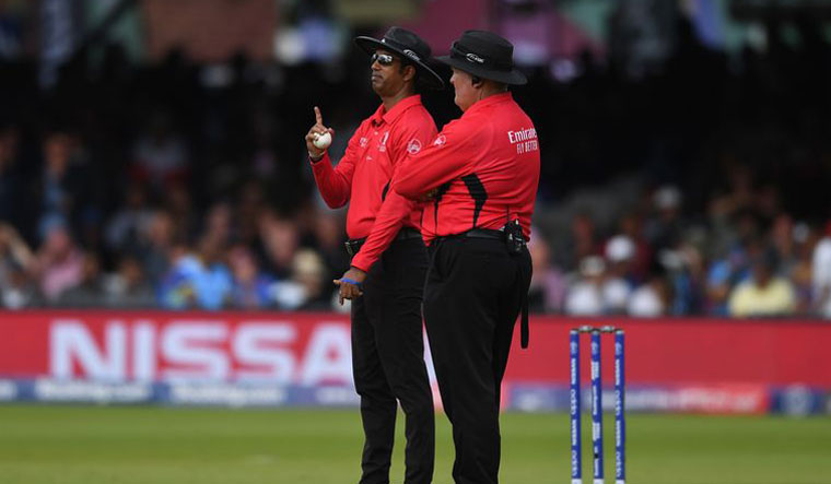 Kumar Dharmasena admits umpiring 'error' in World Cup final