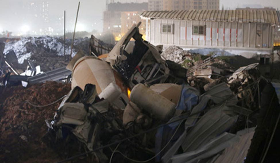 Waste spill buries buildings in southern China, 91 missing