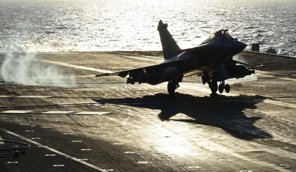 FRANCE-SYRIA-ATTACKS-DEFENCE-CARRIER