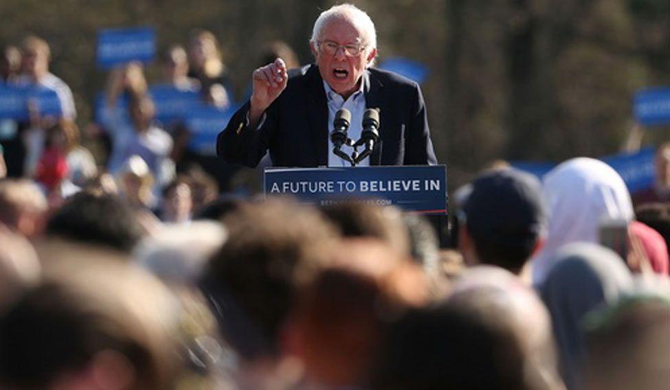 Bernie-Sanders-huge-crowd