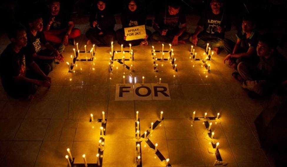 Jakarta-attacks-candles