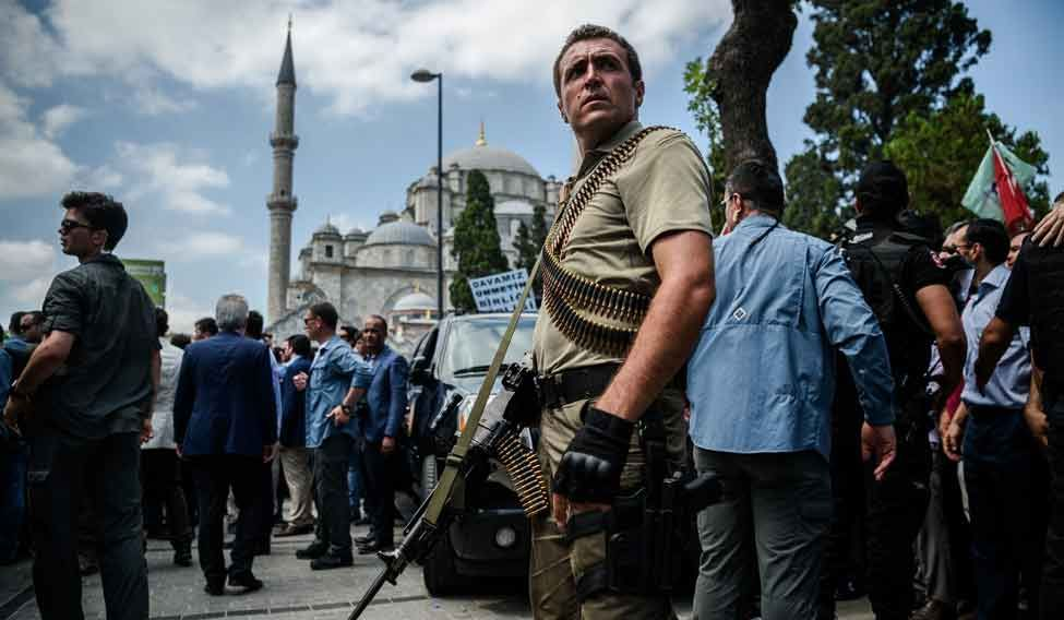 TOPSHOT-TURKEY-POLITICS-MILITARY-COUP-FUNERAL