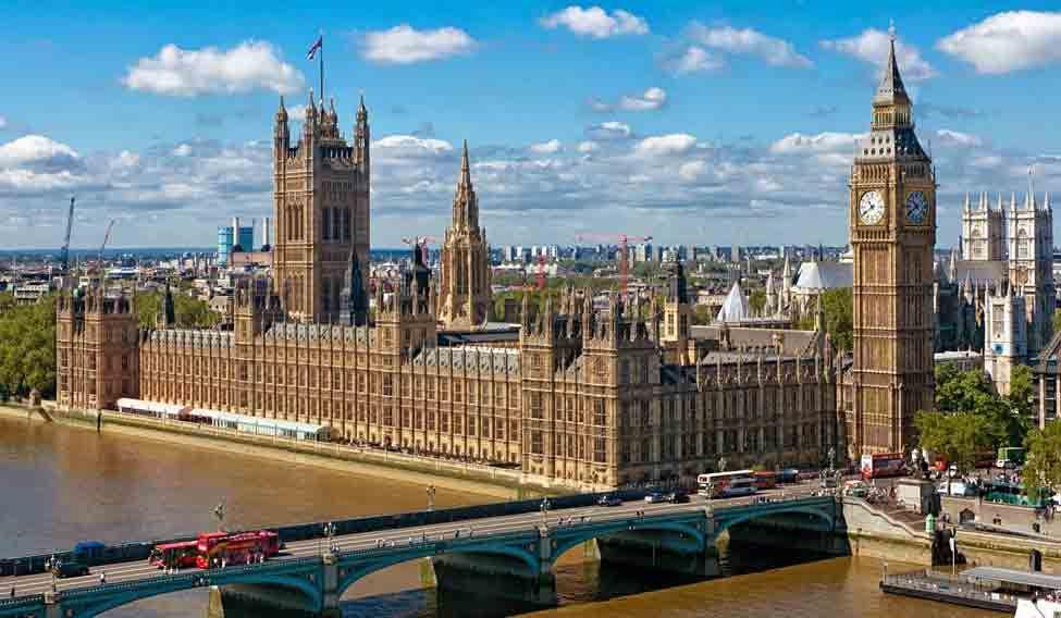 uk-parliament-white-powder