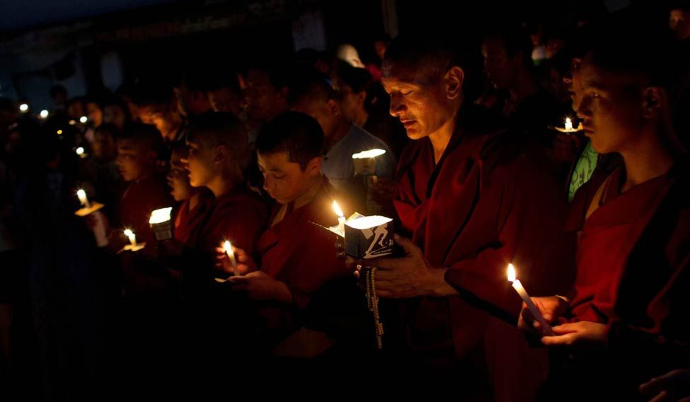 buddhist-monks-ap