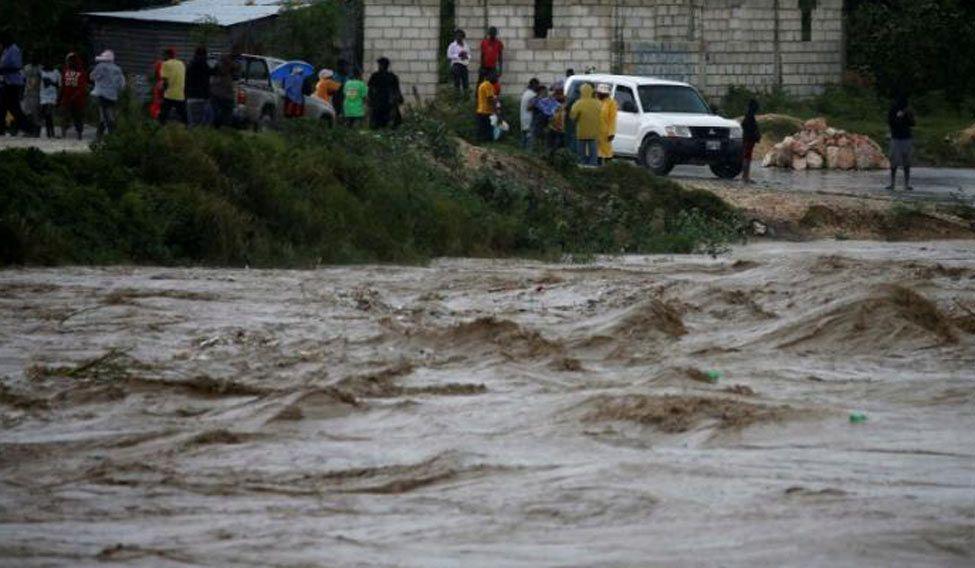 Nine killed as hurricane Matthew strikes the Caribbean