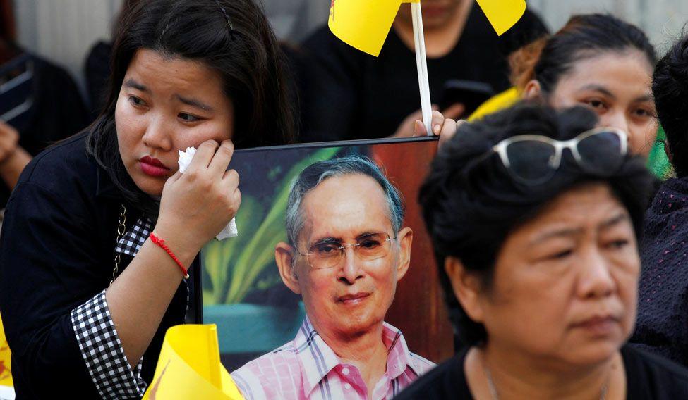 bhumibol-tribute-thailand-r