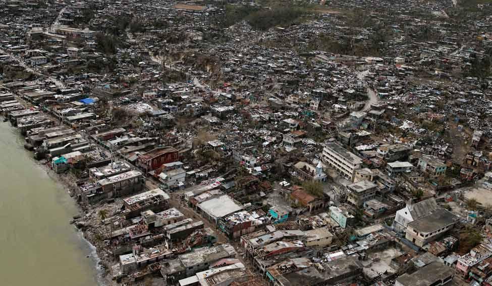 Hurricane kills 264, Obama declares emergency