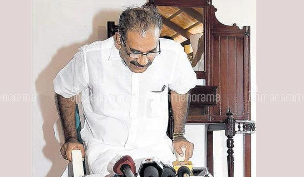 Acquitted of sleaze talk charge, AK Saseendran returns to Kerala cabinet