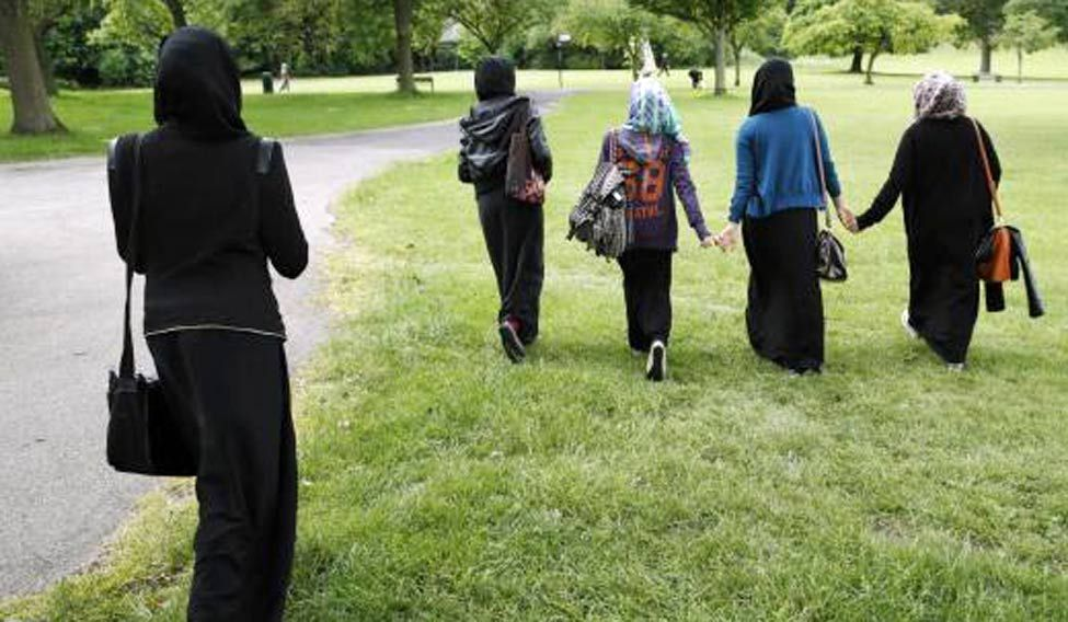 UK school wants govt to ban hijab, fasting for children