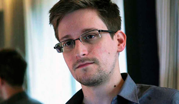 Edward-Snowden-2013