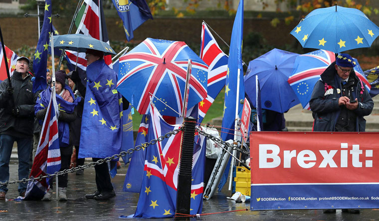 Delaying Brexit for prolonged period 'disaster,' says DUP MP Robinson