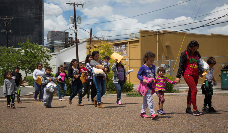 US to allow indefinite detention of migrant children