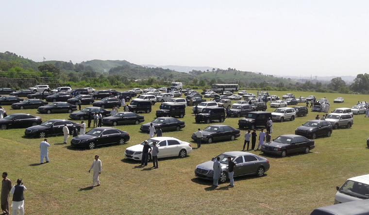 pak-car-sale-reuters