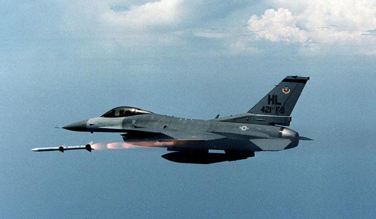 US F-16 AMRAAM Wiki